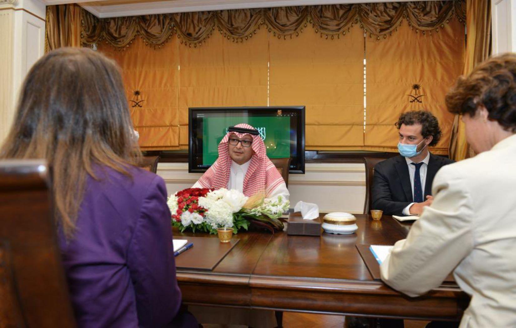 لبنان.. اجتماع أمريكي فرنسي سعودي لبحث الأزمة الاقتصادية