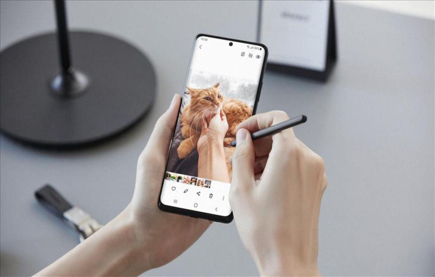 سامسونج جالاكسي S21 Ultra 5G يحصل على جائزة أفضل هاتف ذكي عالمياً