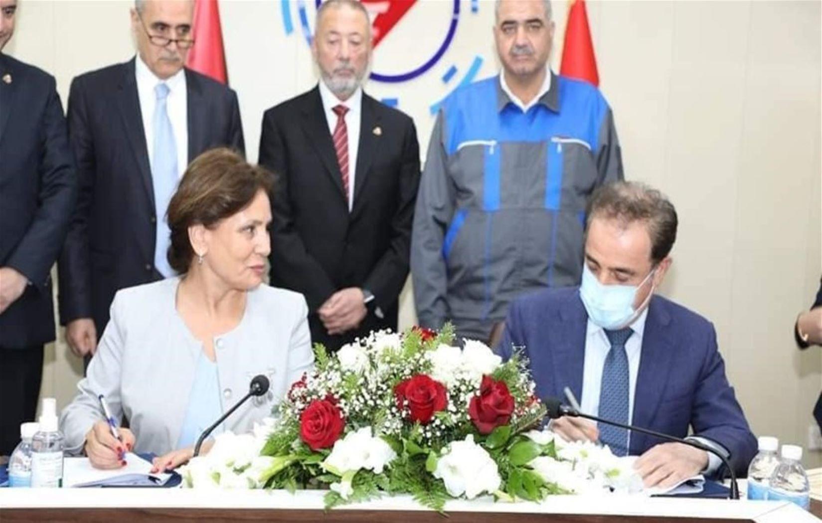العراق والأردن يوقعان عقداً لتنفيذ اتفاقية ربط الشبكة الكهربائية