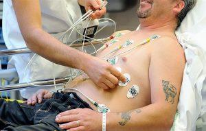 طبيب مصري يتوصل لعلاج جلطات القلب